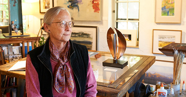 Bonnie Phillips '60 Lives a Vibrant Life Championing Utah Artists—and the Golden Rule